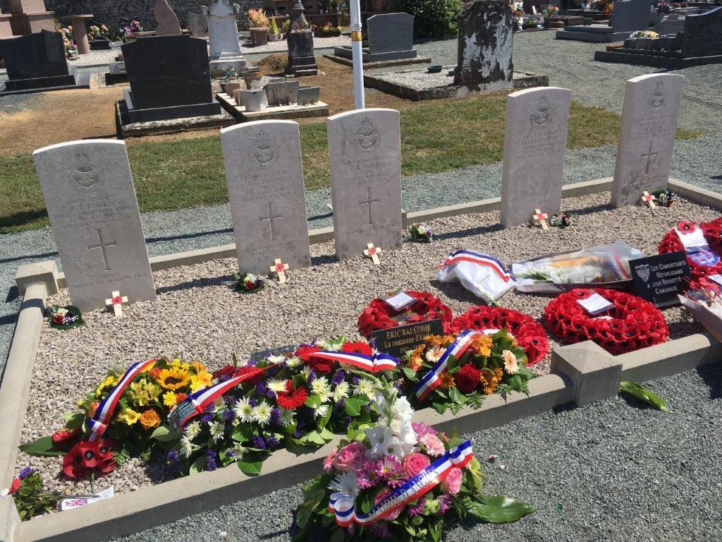floral-tributes-at-the-graves