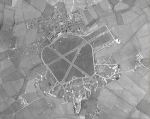 raf_stradishall_1945