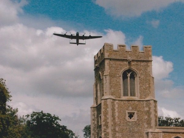 lancaster-flypast-at-the-final-reunion-peter-taylor