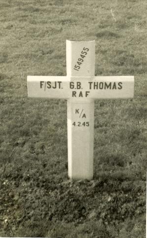 GB Thomas grave photo - front