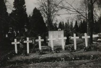 Original Crosses at Beuel.jpg