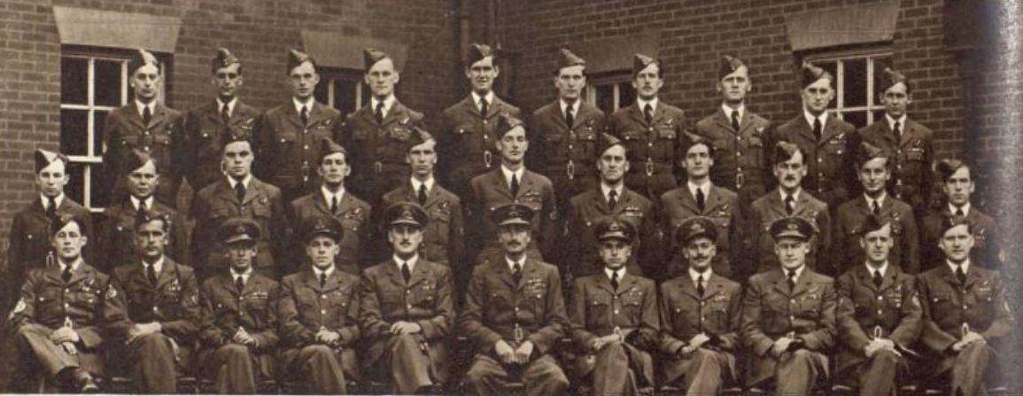 Officers at Mildenhall1 [The Tatler 22-03-1950].JPG