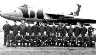 Ground Crew 1981 [Courtesy of Gerry Frew]
